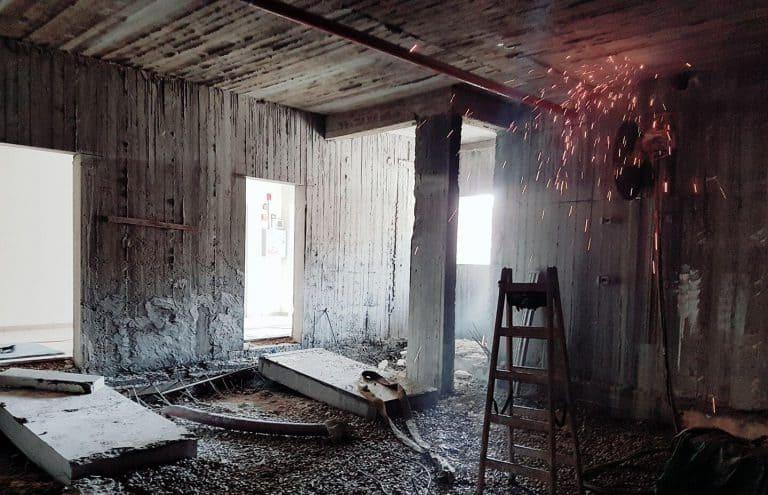 יצירת פתחים בקירות בטון